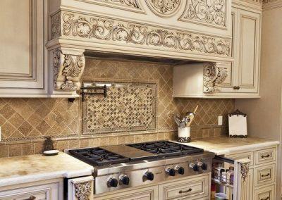 Κουζίνα ξυλόγλυπτη μπεζ