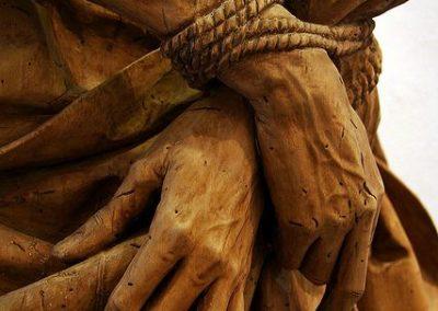 Λεπτομέρεια από ξυλόγλυπτο άγαλμα